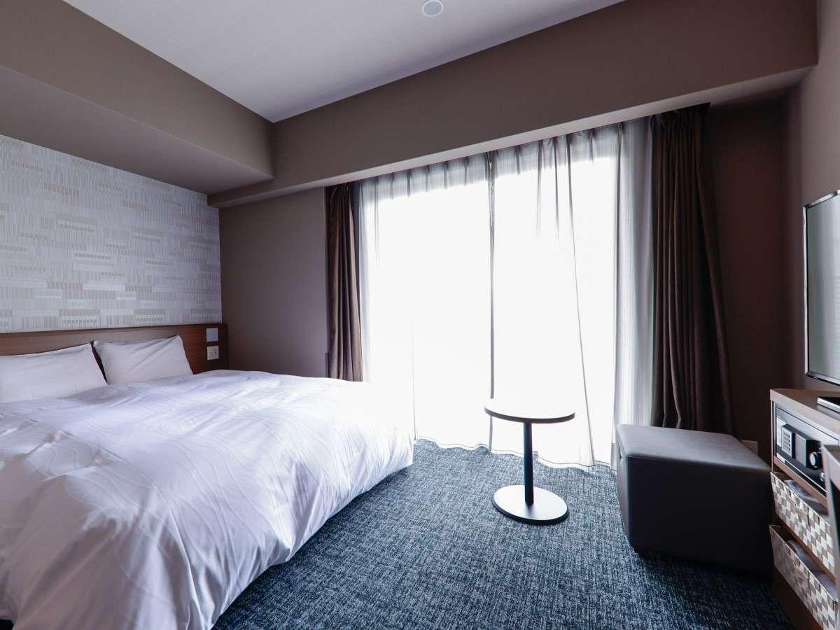 ■ユニバーサルルーム広さ23平米シモンズ社製ベッド(160×195センチ)