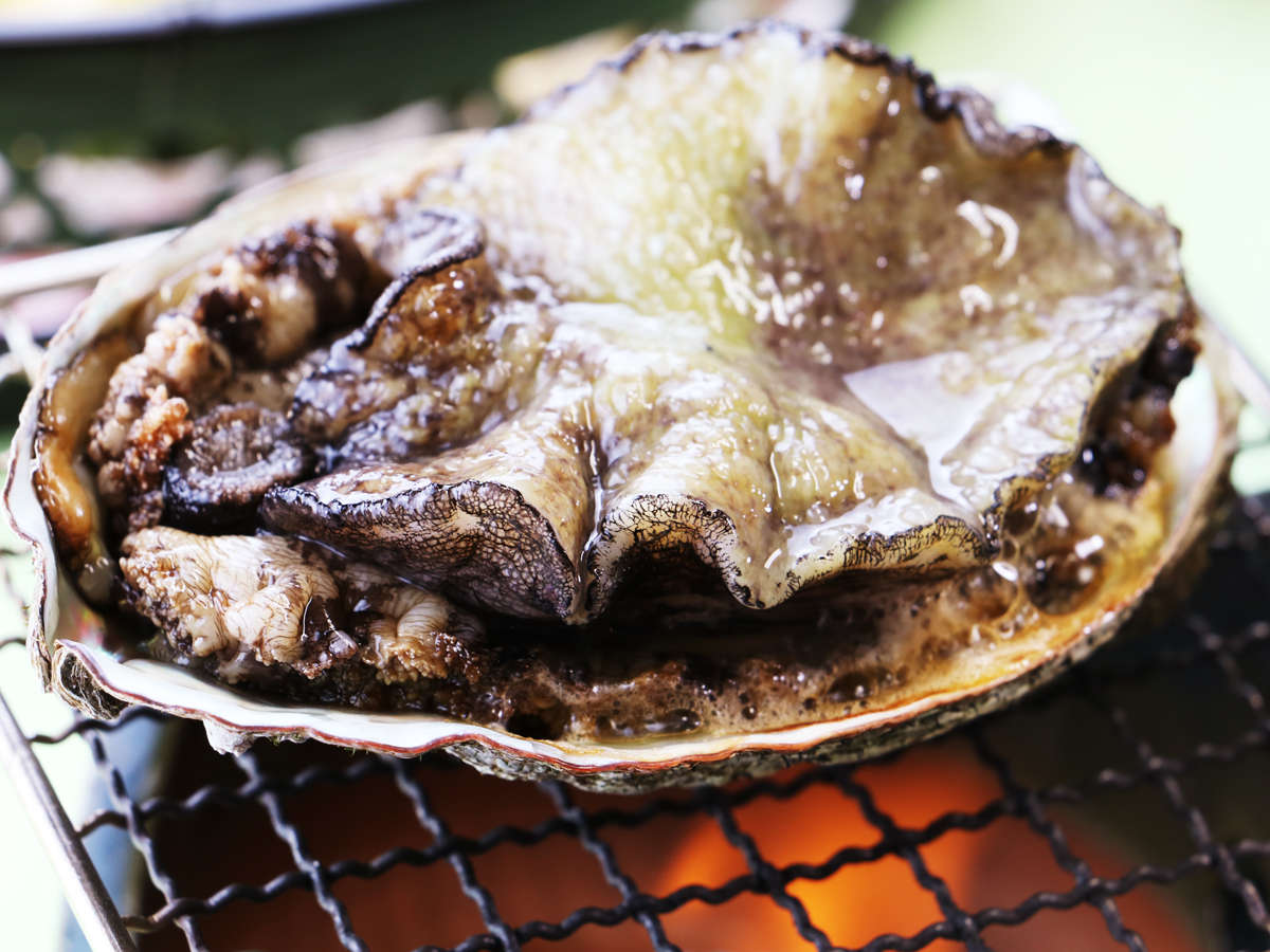 一例・アワビの踊り焼き(アワビはお刺身・踊り焼き・ステーキ・酒蒸しの中からお好きなものを!)