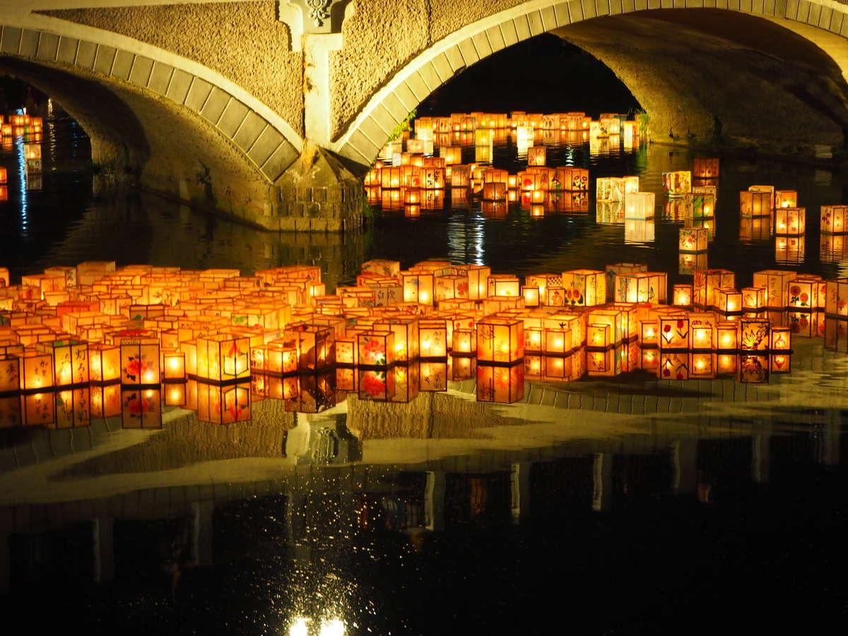 百万石祭りにて行われる灯篭流しです!