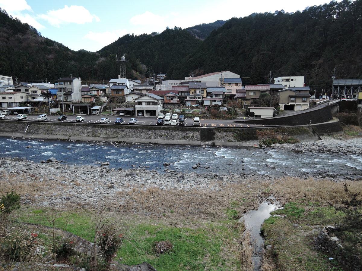 四季の彩りを写す渓流白川。。