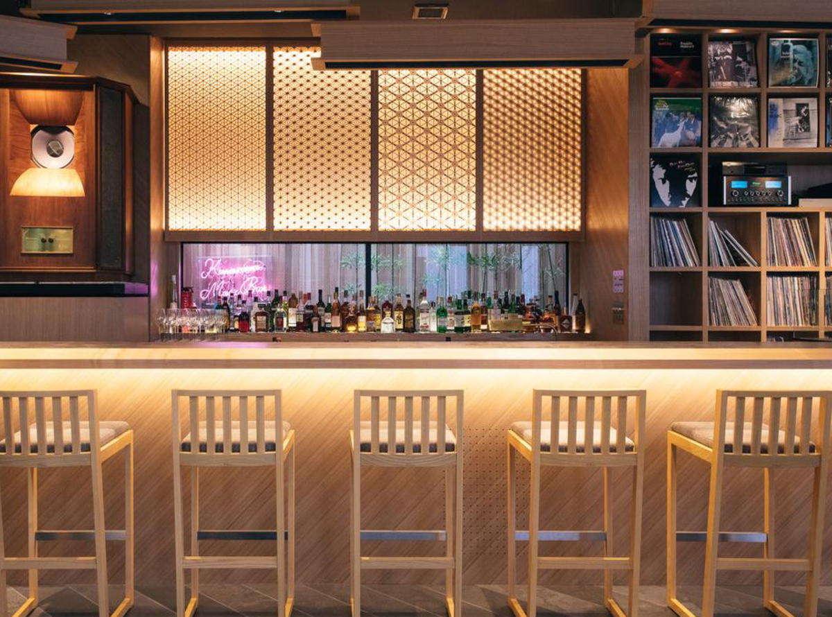 Kanazawa Music Bar / 田鶴浜の建具職人がしつらえた七宝をシンボルに和モダンな空間 / Happy Hourあり