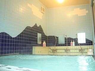 24時間使用可能大浴場 朝入浴して気持ちよさそうにしているお客様が多いです。(女性小浴場あり)