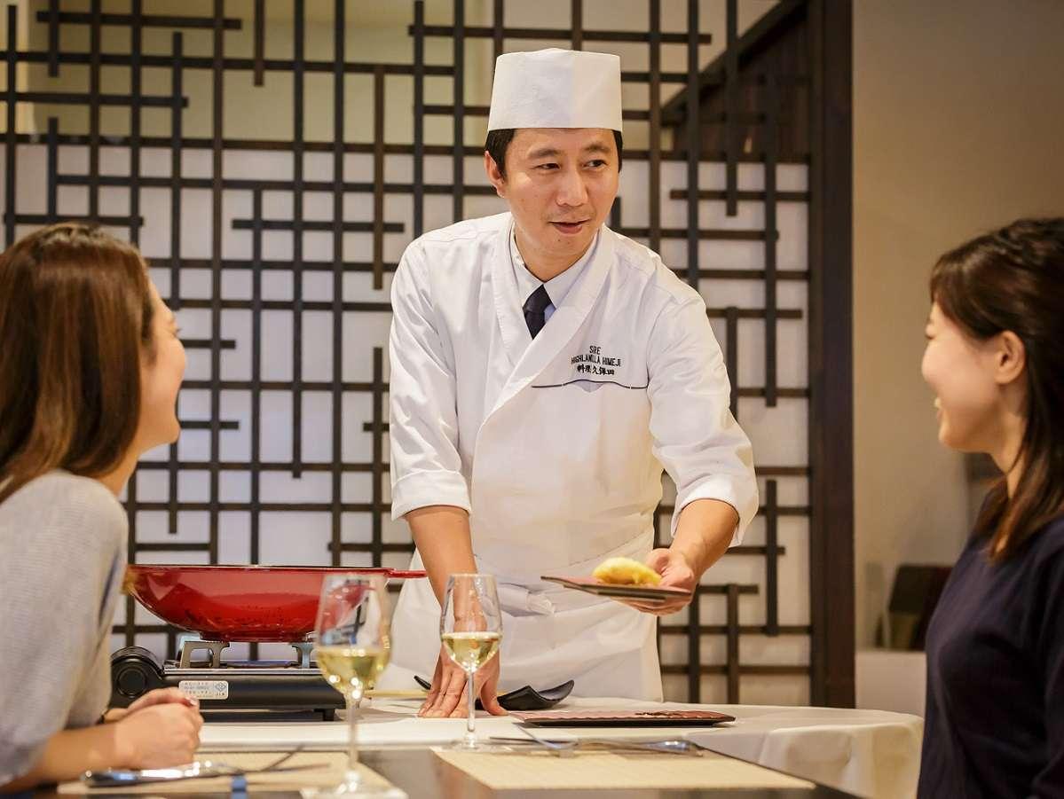 食材や人、もの、和食と洋食など様々な出会いがあるから繋がれるということを表現したディナー