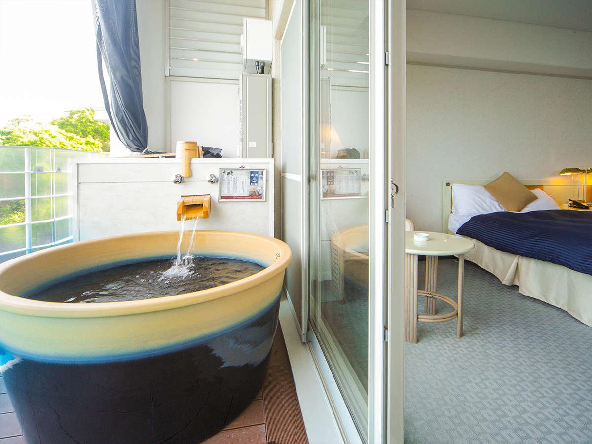 露天風呂付客室では24時間いつでも『神代の湯』がお楽しみいただけます