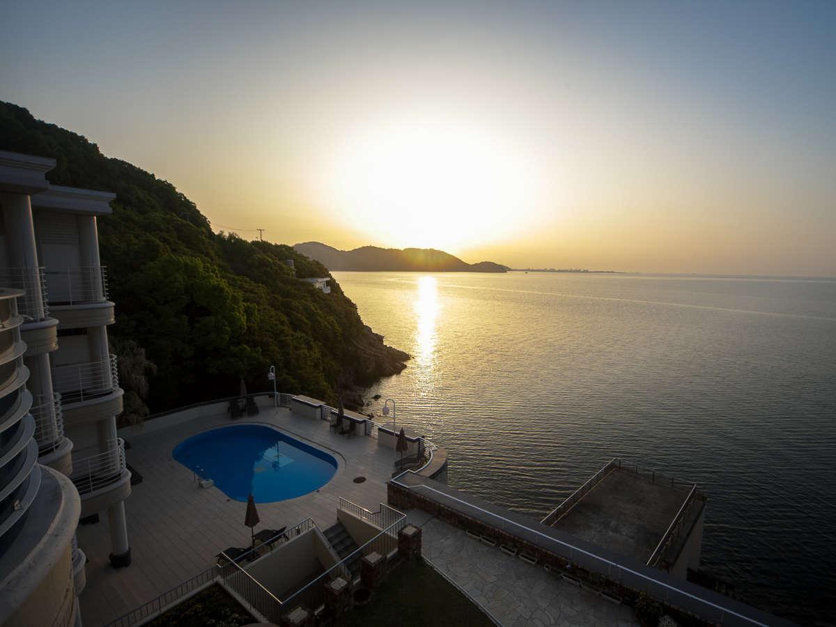 全室オーシャンビュー客室  瀬戸内海に昇る朝日を眺めながら目覚める朝