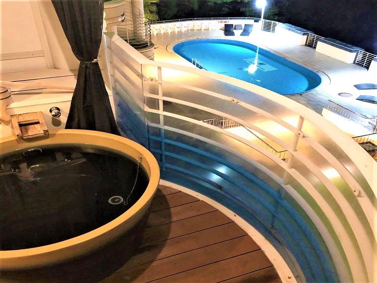 露天風呂付き客室よりオーシャンビュープールや瀬戸内海が望めます。