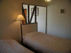 12畳の3~4人部屋「カモミ-ル」