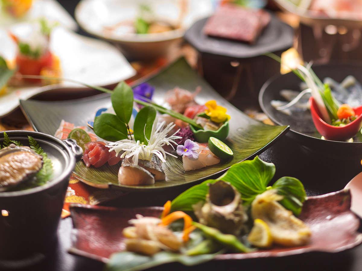 """萩の""""新鮮な海の幸""""を使った会席を味わう特別な時間。その日の一番美味しい旬が味わえる"""