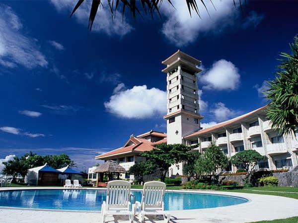 *全室オーシャンビュー!広大なゴルフ場併設、沖縄ならではの絶景を堪能できるリゾートホテル。
