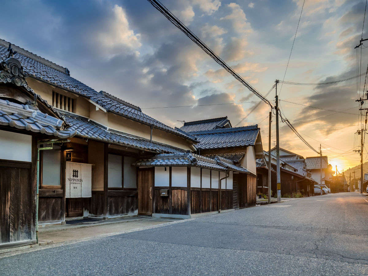 【外観】旧京街道の宿場町として栄えた福住。今も日本の原風景が鮮やかに残ります。