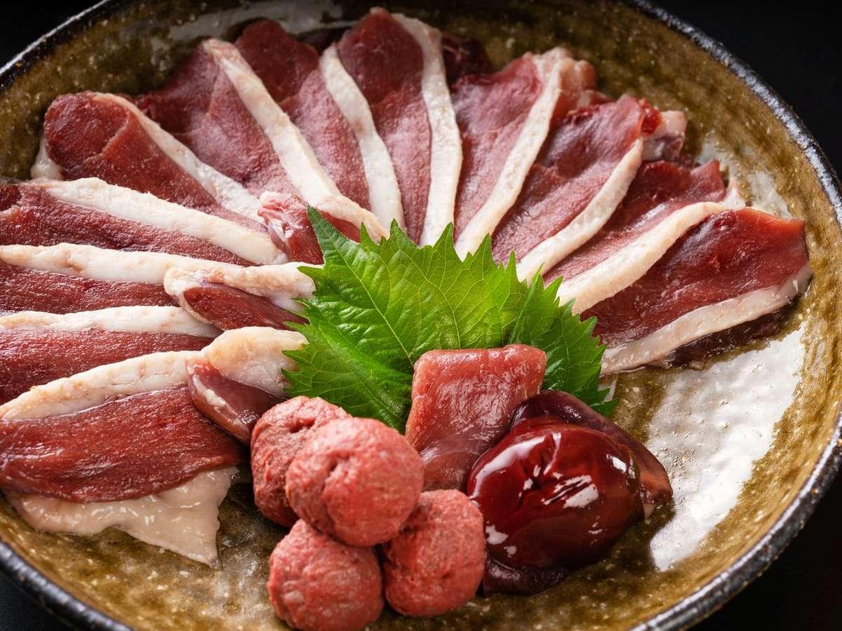 琵琶湖の冬の名物といえば【鴨すき鍋】