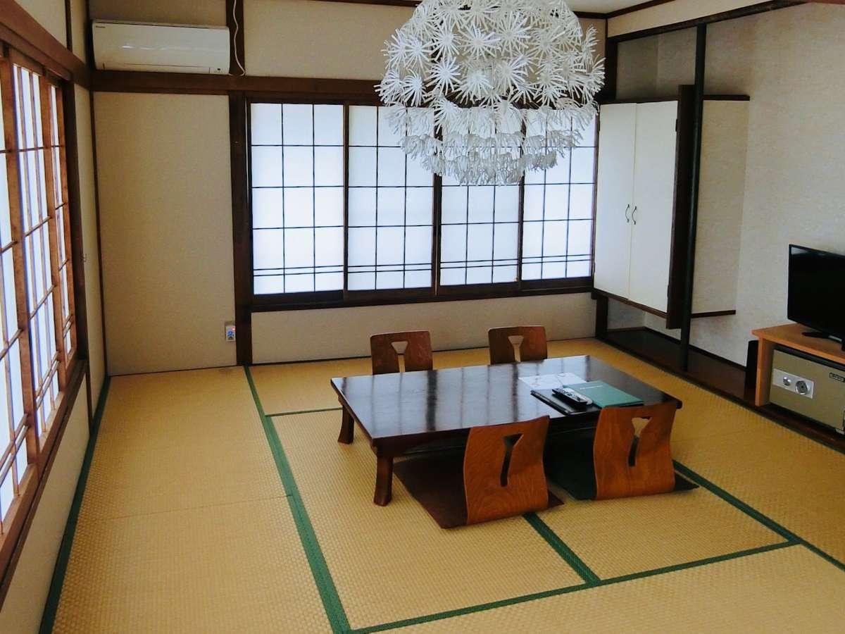 【すみれ】トイレ付4人部屋