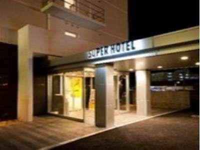★ホテル入口(夜)★