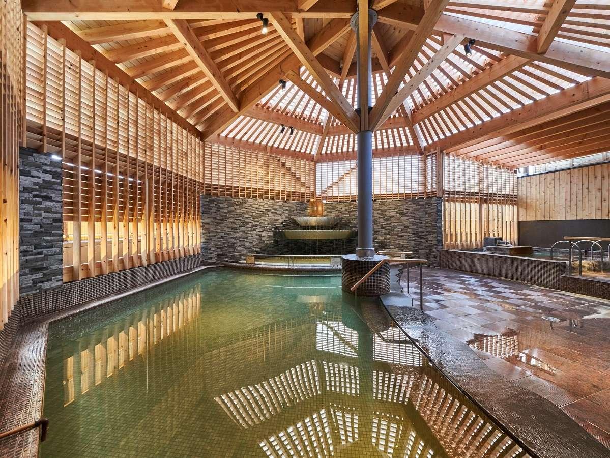 【露天風呂】湯の川温泉を愉しんでいただける開放的な露天風呂