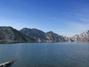 中禅寺湖(4月)