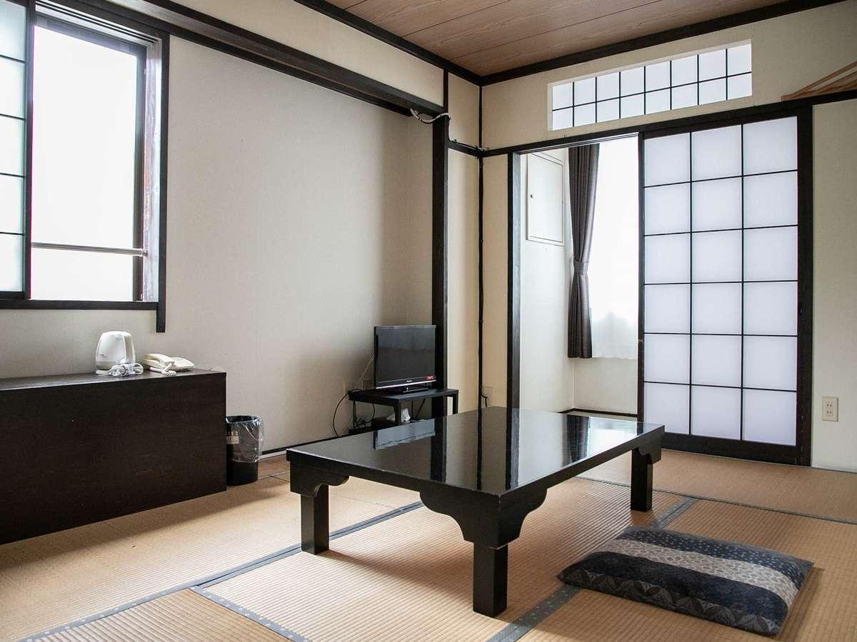 【本館和室一例】畳のお部屋でゆっくりお寛ぎください
