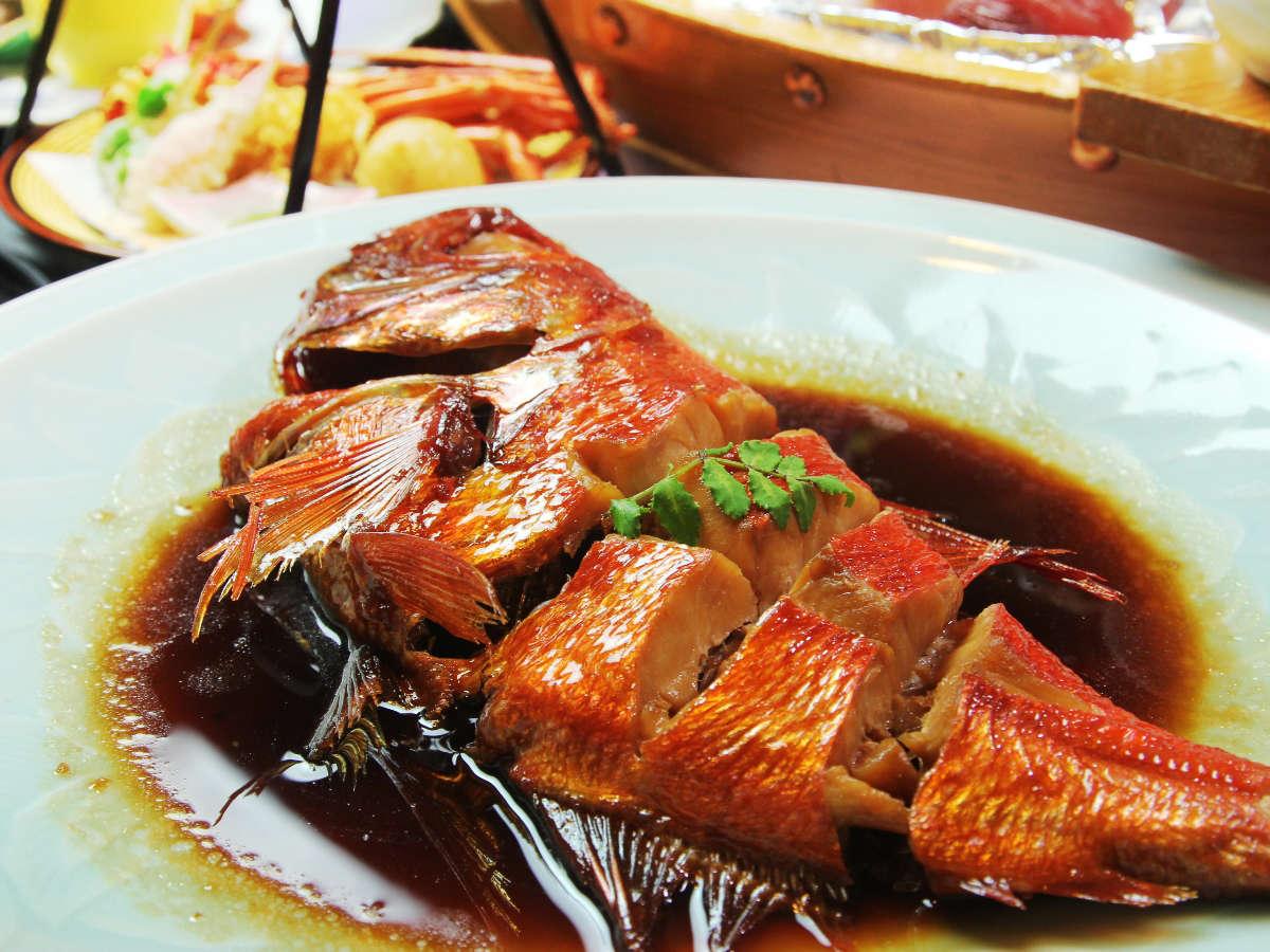 遠州灘・駿河湾で揚がった極上の金目鯛を姿煮で!*