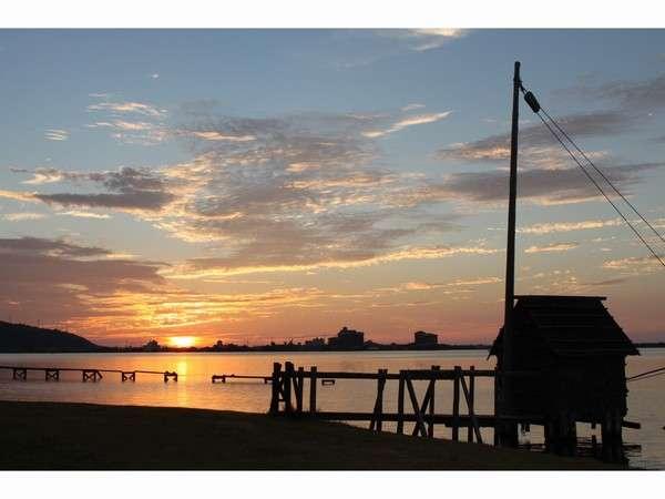 東郷池の素晴らしい夕日