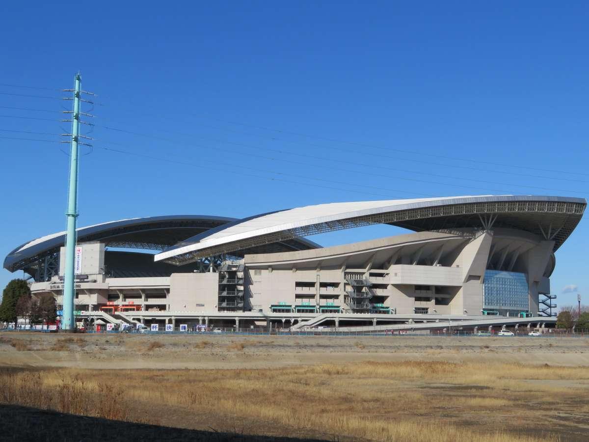 さいたまスタジアム2002 多くの国際試合が開催される国内有数のサッカー専用スタジアムです。