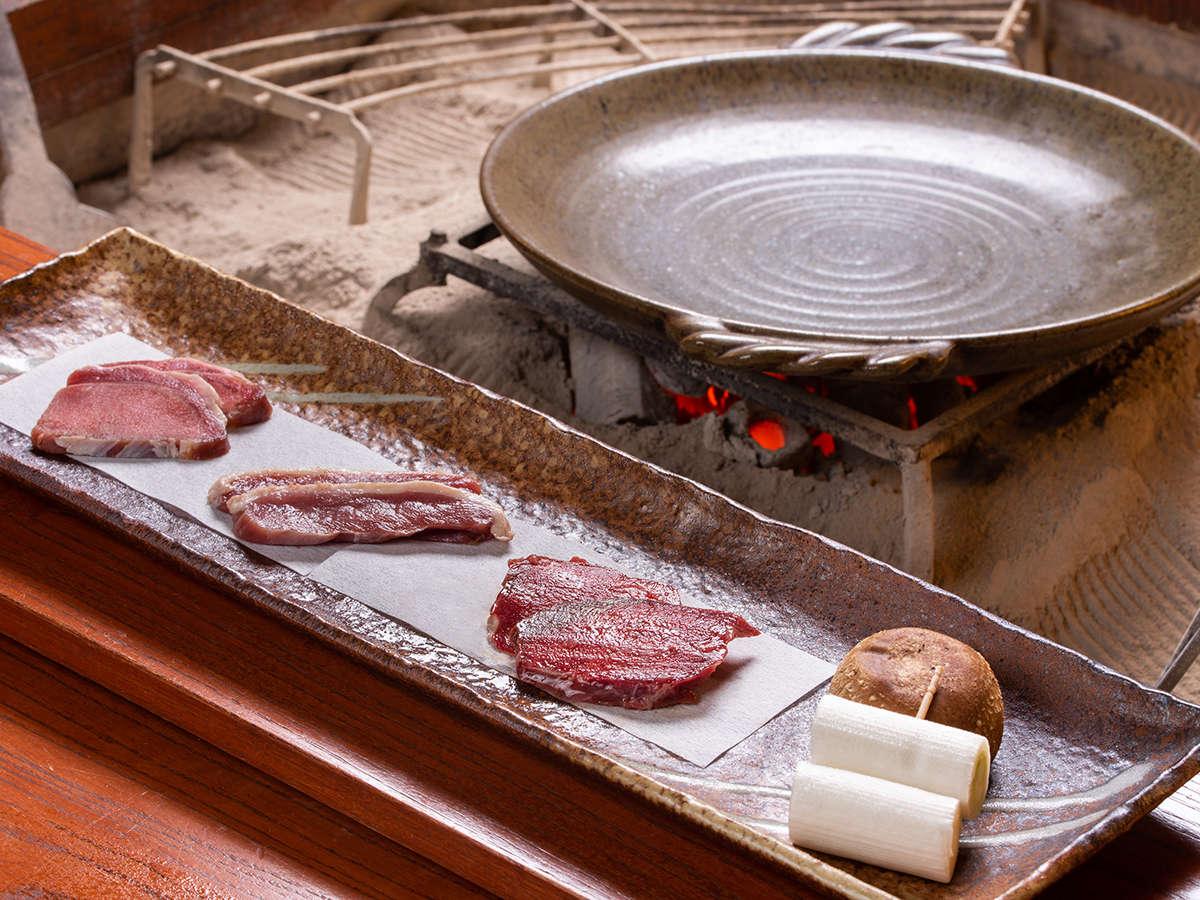 *【熊肉】【いのしし】【うさぎ】【しか】【野がも】の5種類のうち3種類のお肉を食べ比べ!