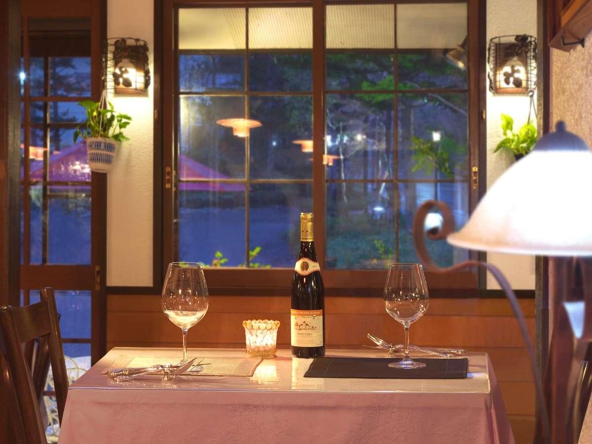 誕生日などの記念日に利用される方に好評です。ケーキ&ワイン付きの記念日プランもございます。