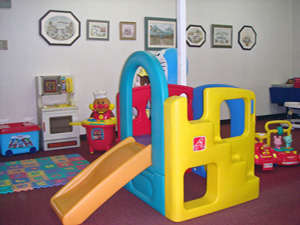幼児用滑り台、チョットの遊具でもお子様達のふれあいコーナーに。