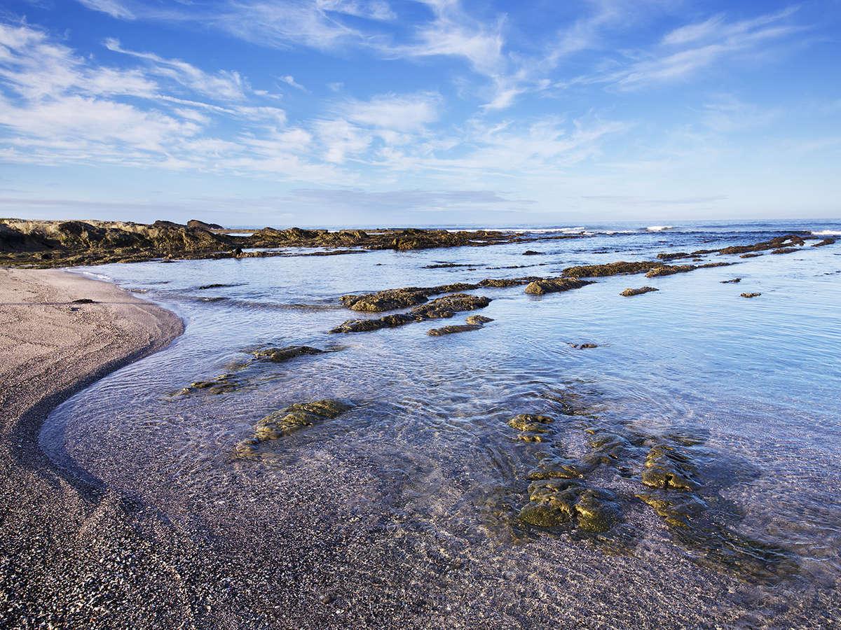 海沿いならではの自然美溢れる風景