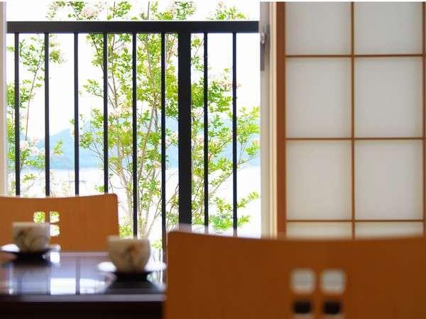 和室からの海の風景は当ホテル一番。