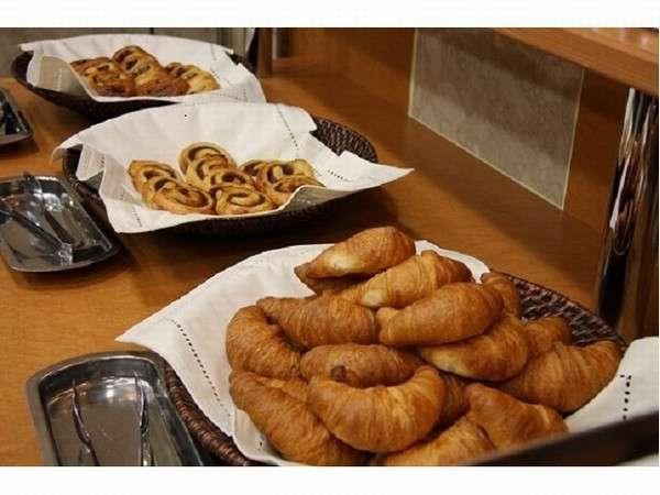 別館1階に軽食会場モーニングカフェもご案内しております。