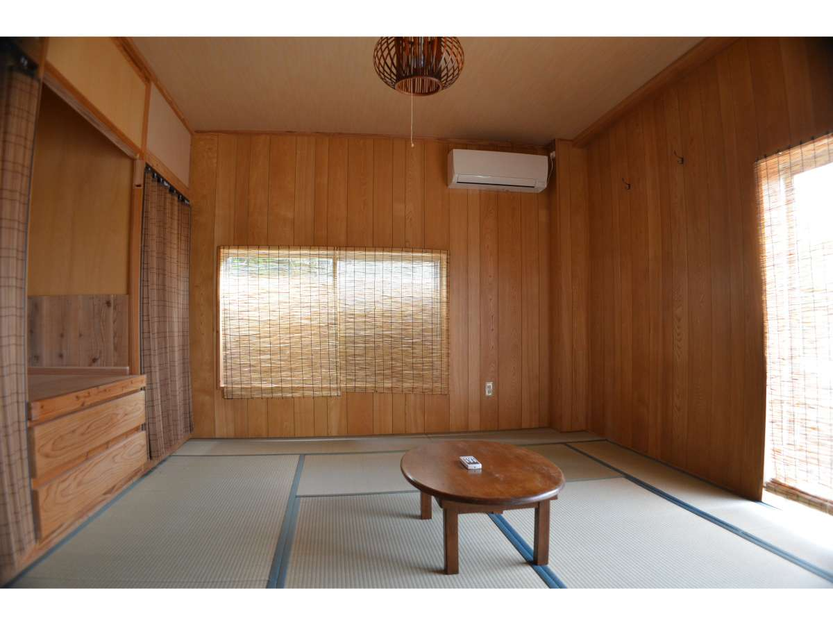 和室のお部屋です。4名様でご利用いただけます。