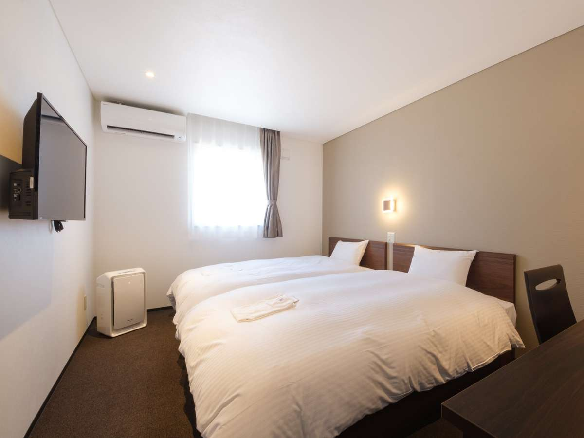 【ツインルーム】17.3平米 WiFi/テレビ/空気清浄機完備 カップルやご夫婦・友達との宿泊に◎