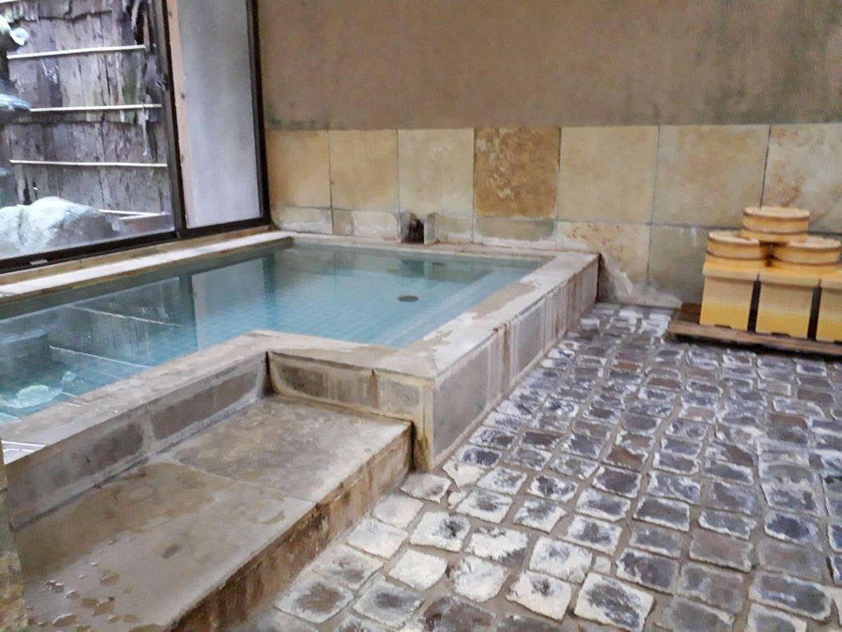 ■お風呂 源泉かけ流しの貸切風呂です