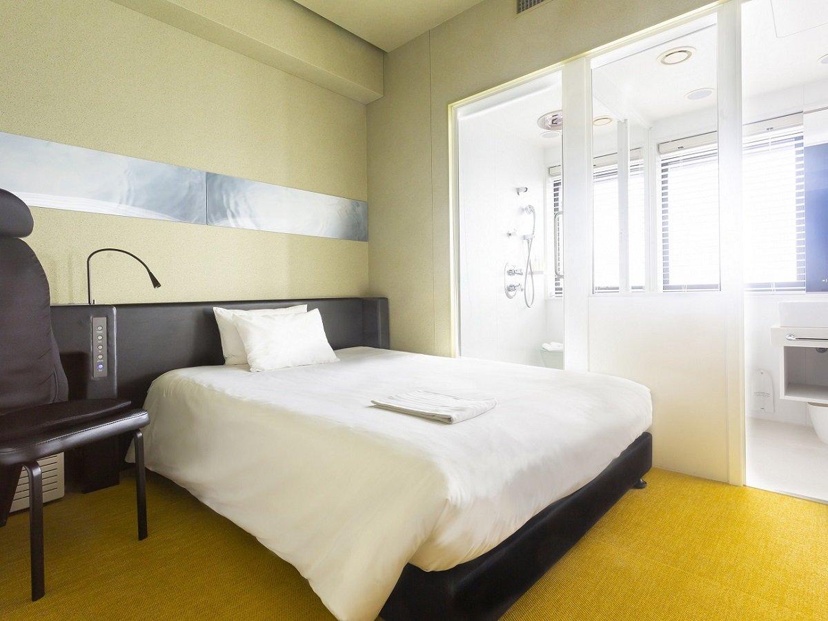 【セミダブル】一例 シャワーブースあり、バスタブなし・ベッド 130-140cm×195cm×1台