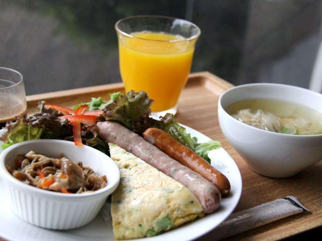 関西近郊の旬野菜を中心に使用した、身体に優しいヘルシーなプレートメニューを提供。
