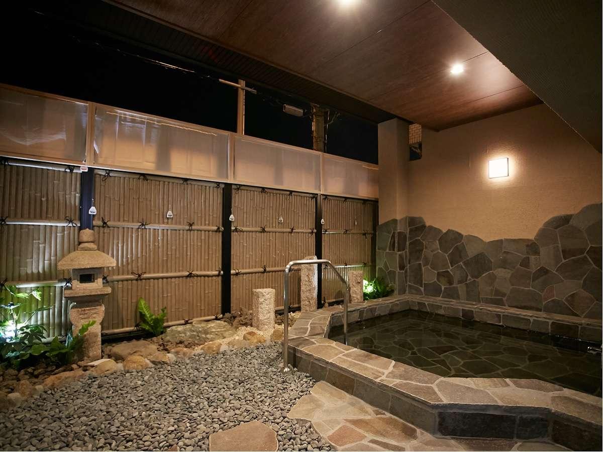 新大阪エリアでは珍しい露天風呂★女性17~21時 男性21:30~25時(本館3階に檜風呂もございます)