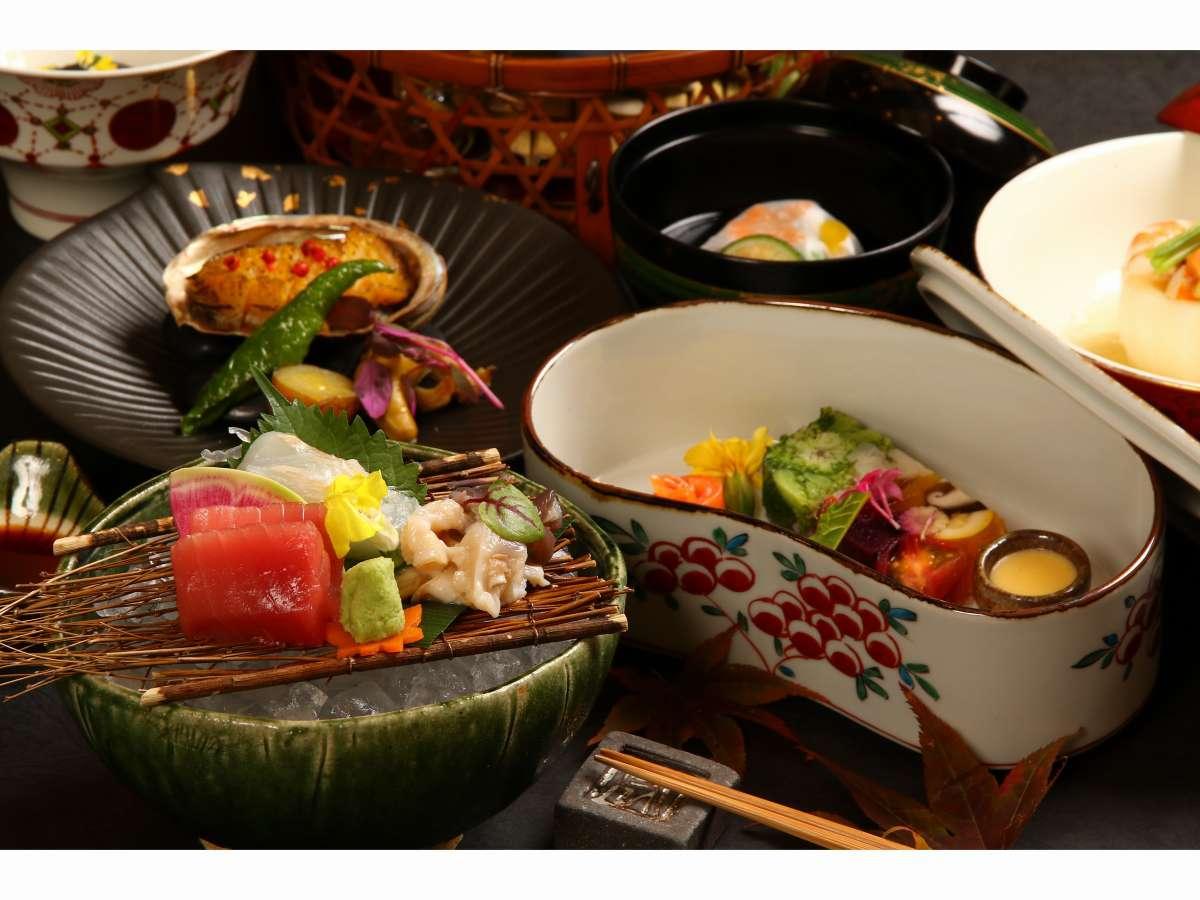 器にもこだわったお料理に身も心も豊かに・・・