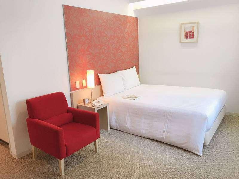 ダブルルーム「世界のベッド」と称されるシモンズ社製