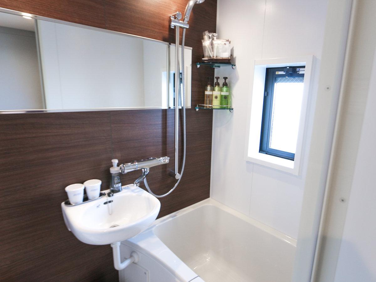 ◆バスルーム◆ツインルームのバスルームはセパレートとなっております。