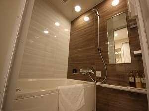 マイクロバブルバス装備のダブル・ツインルーム!バストイレ別のゆったり空間♪シャワーはパワフル水圧です