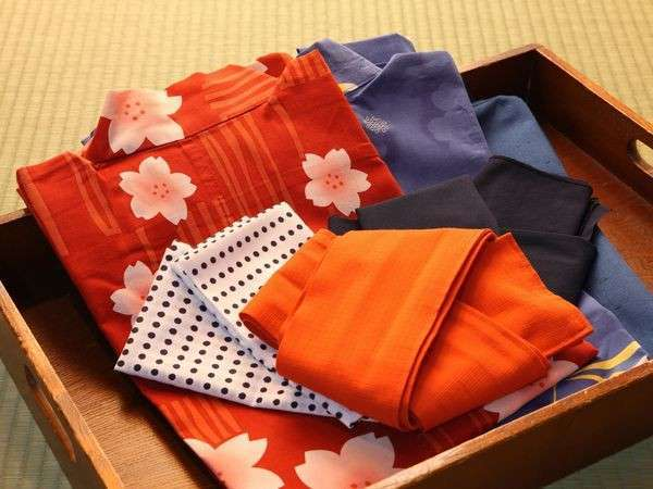【アメニティ】  *豊富に取りそろえた色浴衣の中からお好きなものをお選びください!