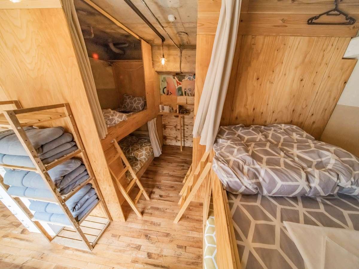 女性専用ドミトリー / Female Dormitory