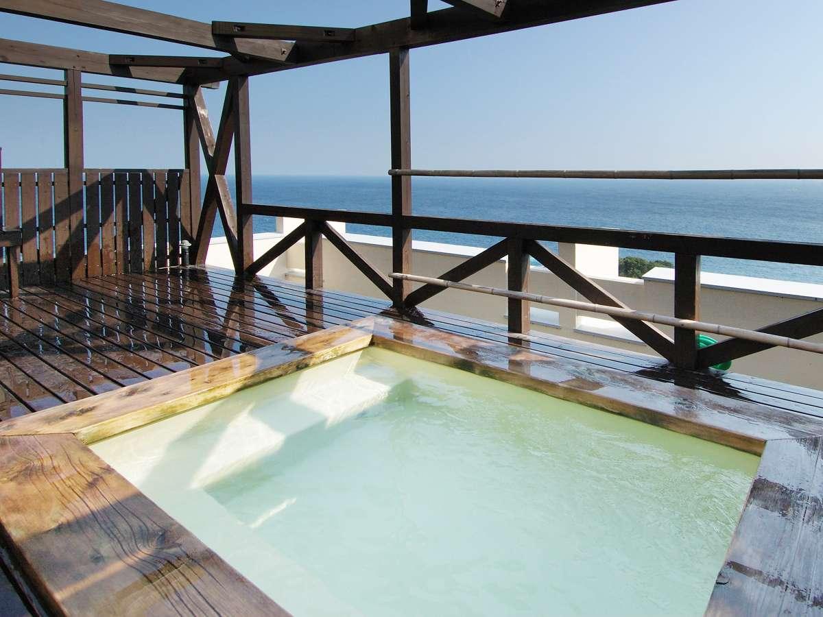 7階【展望露天風呂】太平洋をご覧頂きながら、夜には満点の星空が観測できるかも?