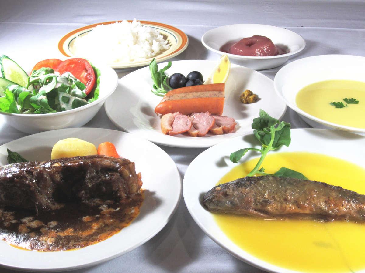夕食一例、鹿肉をメインとした洋食が中心(仕入れにより変更あり)