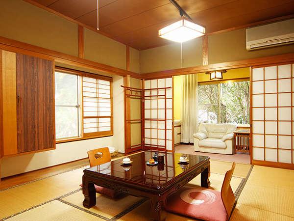 ゆとりの10畳和室!ゆっくり静かに過ごせる和の趣ですね!