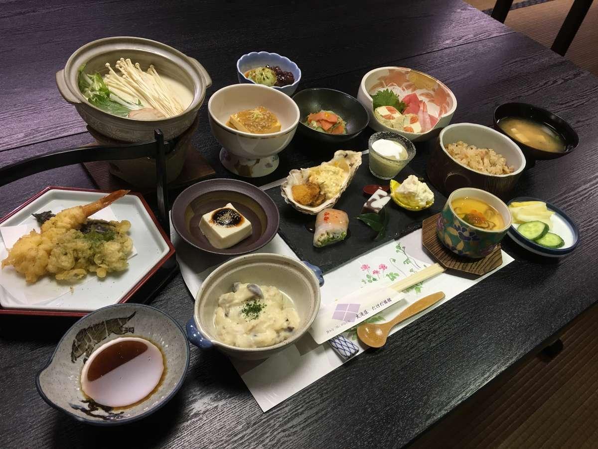 とうふ料理一例とうふの旨みを活かした、名物大山とうふに四季折々の旬の美味しさを添えて。