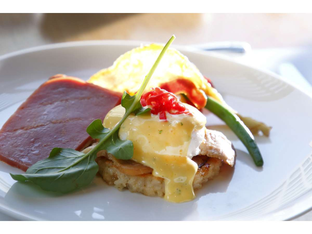 新様式 「カメリアブレックファスト」卵料理:博多エッグベネティクト