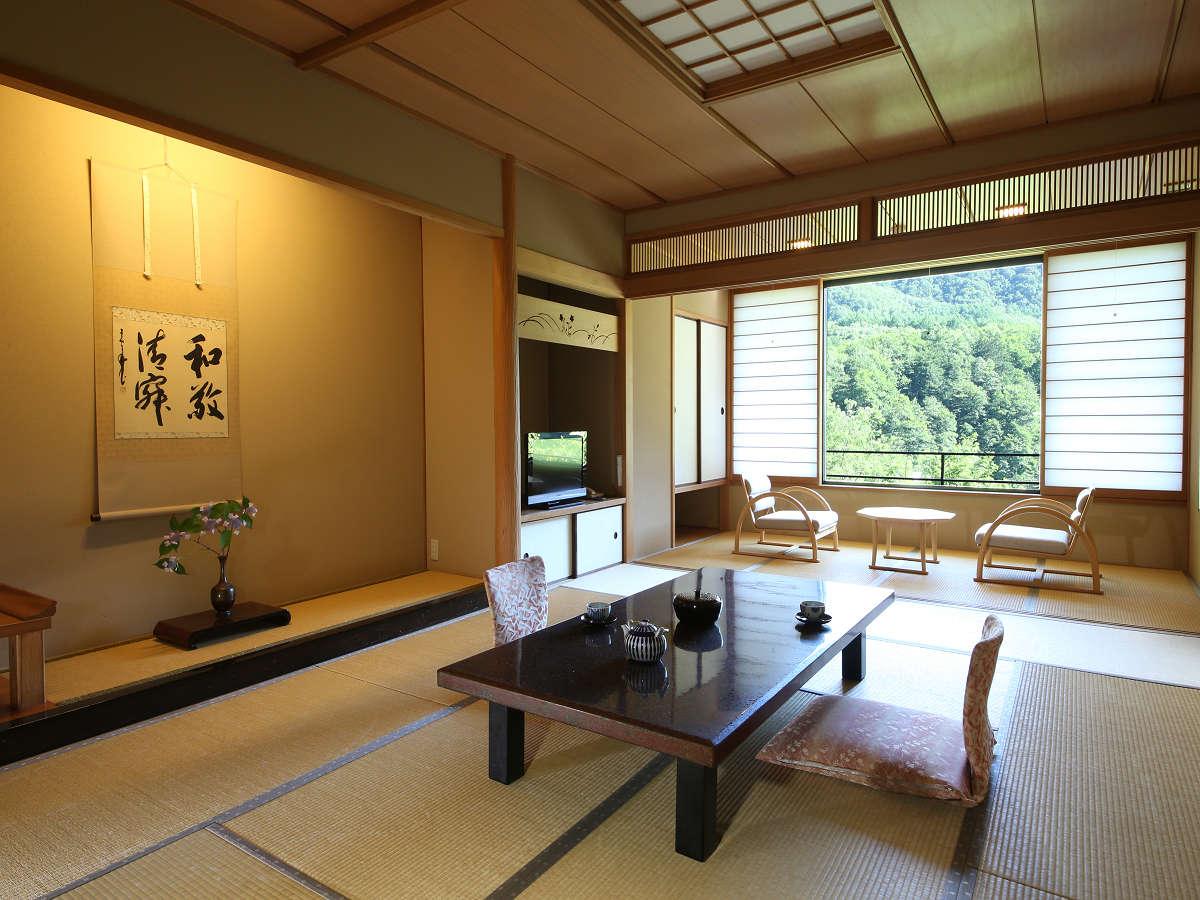 新館【東館】和室一例お部屋に居ながらに景色が楽しめます