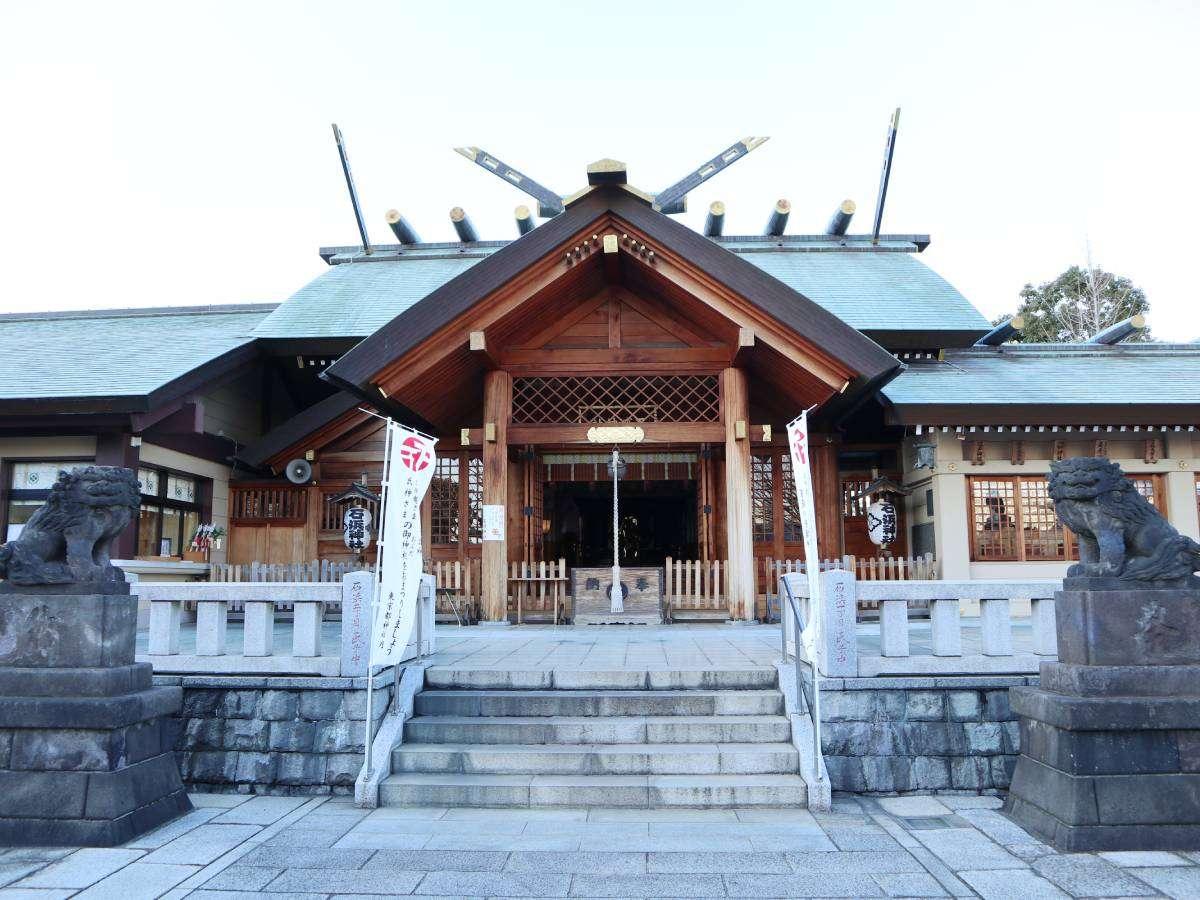 ・【石浜神社(徒歩約15分)】浅草名所七福神の寿老人を祀る神社。