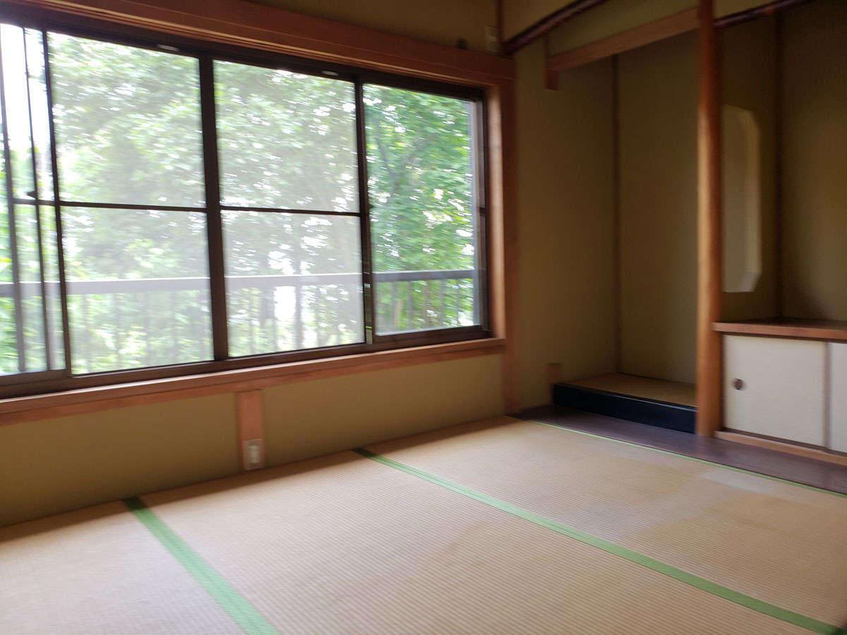 春~秋まで茶会体験にご利用いただける和室。静かな空間でゆっくりお茶体験を。