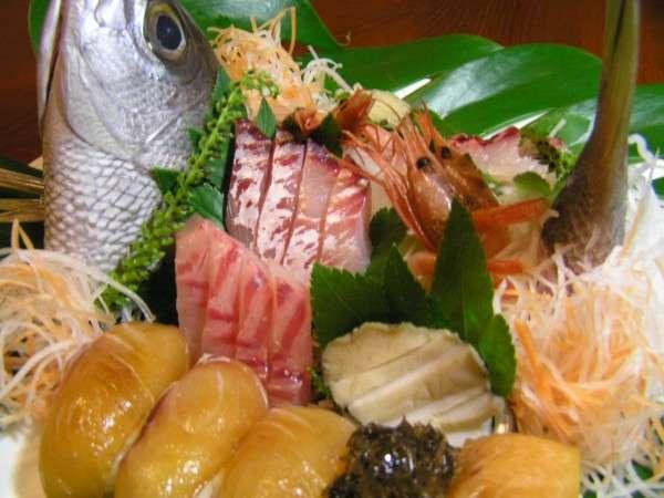 旬の魚料理がメインとなります。